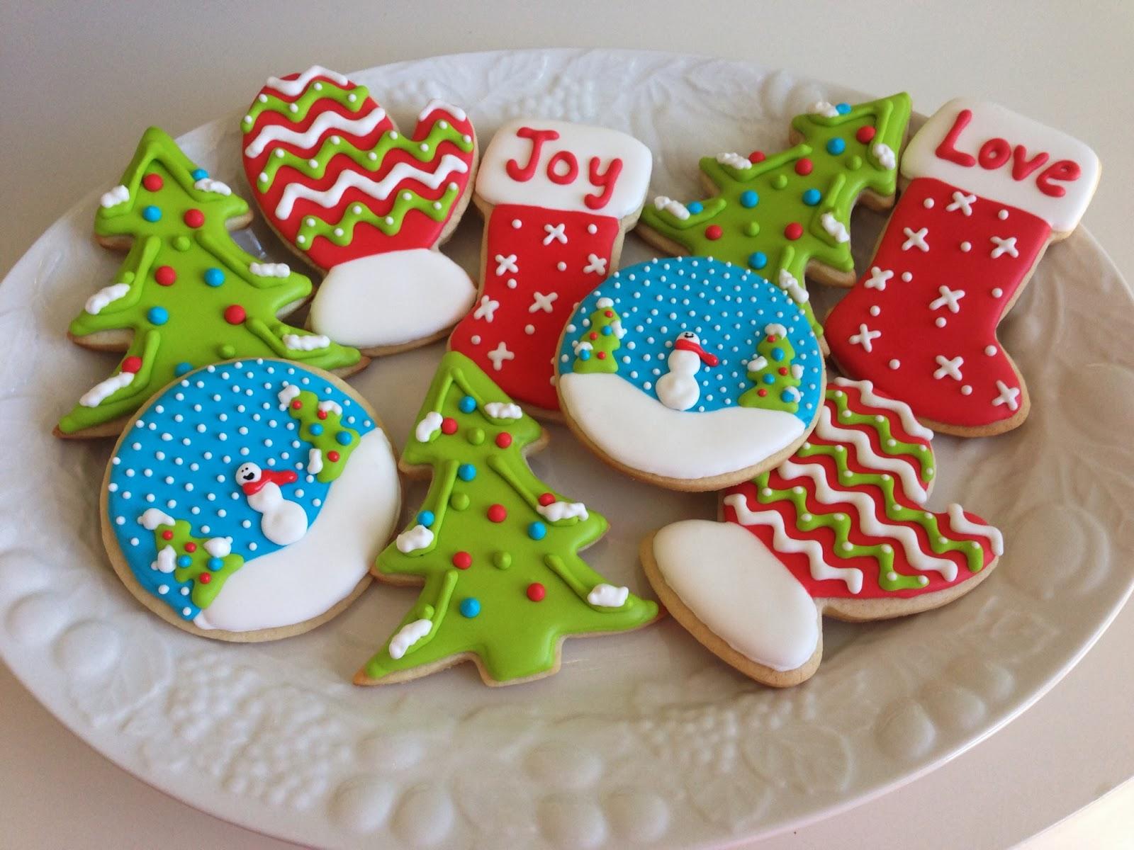 Christmas-Sugar-Cookies-With-Royal-Icing-02